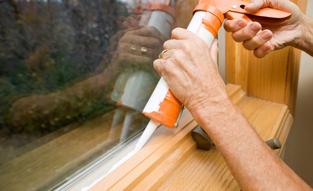 Putnam Handyman Services winterizing house